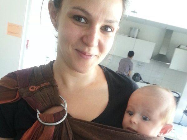 prévention de la mort subite du nourrsion et le la MIN : porter son bébé