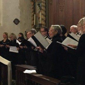 *Choeur Clara Voice : un ensemble de polyphonique regroupant une quarantaine de chanteurs.