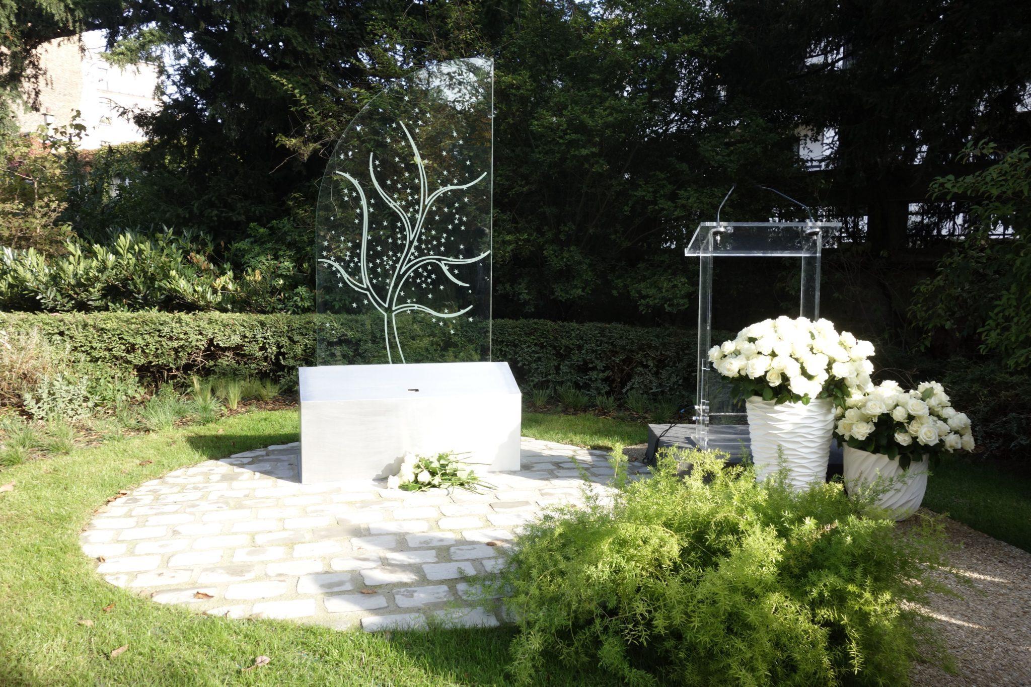 Au cimetière du Père Lachaise, une borne numérique dédiée